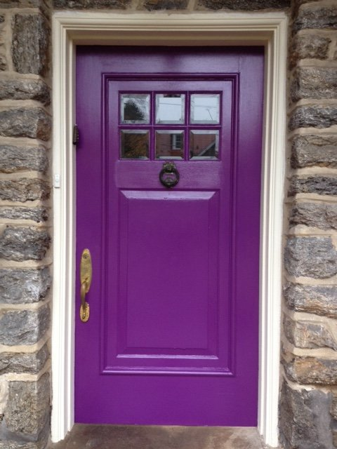 The winning front door color for the headquarters of down2earth Interior Design.