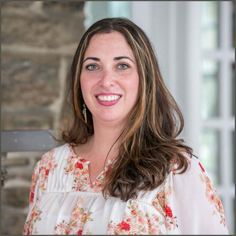 maria-nagy-office-manager