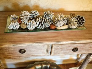 holiday-decorating-insert-into-post_courtesy-of-amy-cuker-300x225