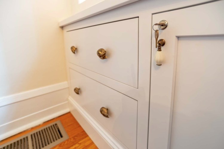 Anthropologie drawer pulls and door knobs
