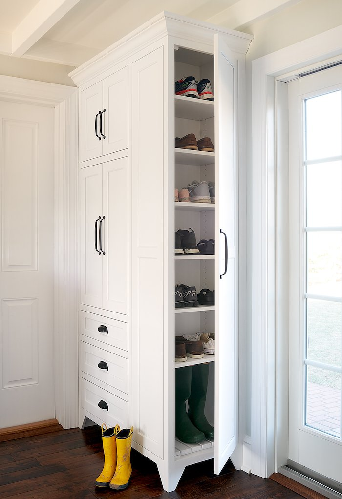 Down2Earth Interior Design Built-in Closet